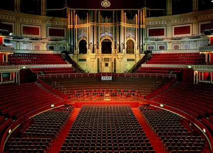 Humidification of the Royal Albert Hall's Organ